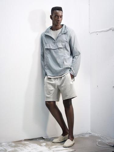 Las propuestas del nuevo lookbook de H&M para el próximo verano en colores neutros y luminosos