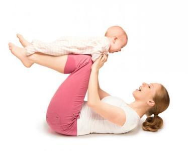 ¿No sabes cuándo hacer ejercicio? Cinco ejemplos de madres que lo hacen con sus bebés