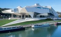 Lyon cuenta con un nuevo icono: el flamante Museo de las Confluencias