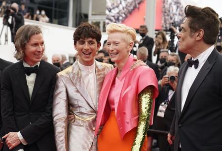 Wes Anderson con sus actores en Cannes