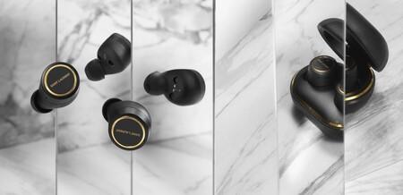 Saint Laurent y Bang & Olufsen han convertido definitivamente los auriculares en joyas y los altavoces en piezas de arte contemporáneo