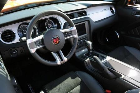 El interior del Mustang Saleen 351 Supercargado