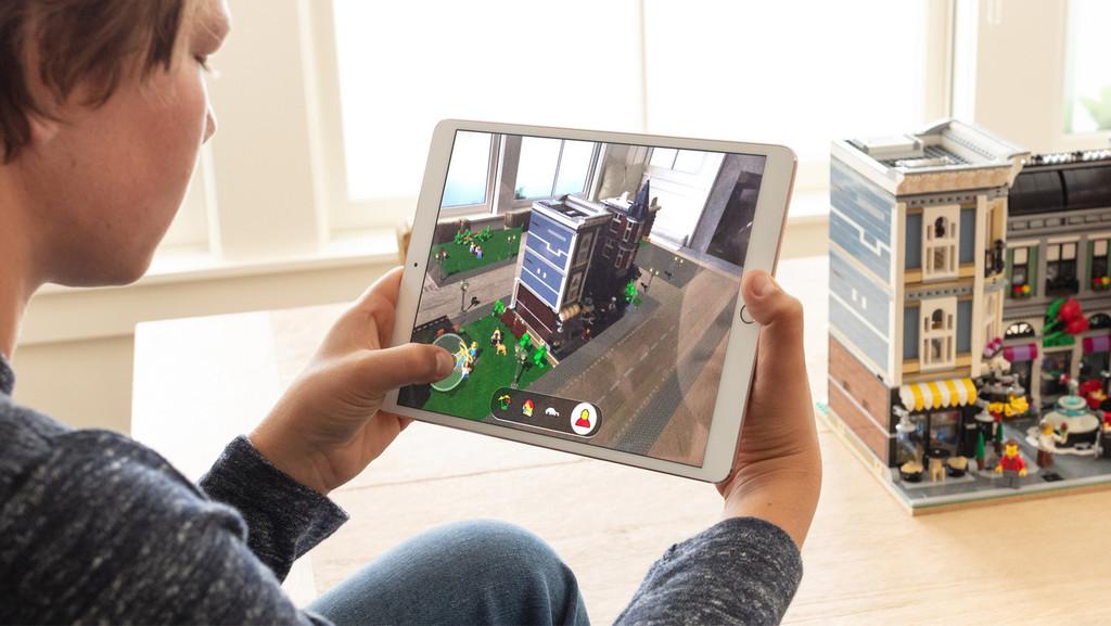 Un FlyOver en tres dimensiones mediante realidad aumentada: esta patente muestra el <strong>Apple℗</strong> Maps del futuro «>     </p> <div class=
