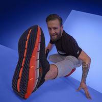 Conor McGregor vuelve a competir este fin de semana, y presenta la gran novedad de Reebok en calzado de running para 2020: Zig Kinetica
