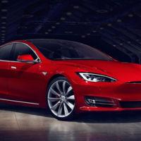 Aunque Elon Musk quiera pensar lo contrario, el Tesla Model S no es anfibio