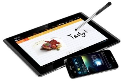 ¿Es un smartphone, un tablet, un notebook? No, es el Asus Padfone