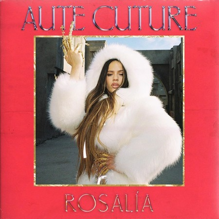 Rosalia lleva las uñas postizas al extremo en 'Aute Cuture', su nuevo videoclip: ¿es una manicura o son armas blancas?