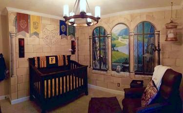 El bebé que siente la magia cada día... en su habitación de Harry Potter