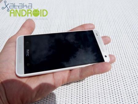 HTC One mini 2 también filtra sus primeros datos, pantalla de 4.5 pulgadas y chipset Snapdragon 400