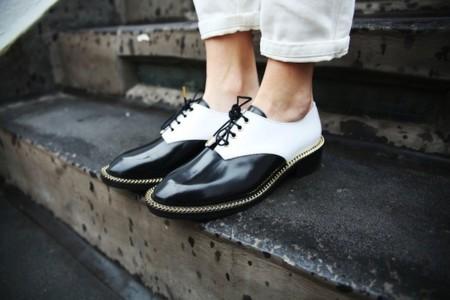 Duelo de estilo: los zapatos de Sandro que adoran todas las bloggers