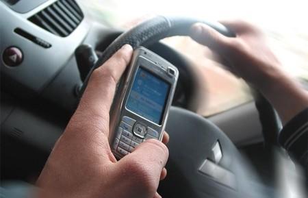 Teléfono móvil y conducción