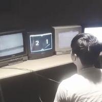 Diez televisores de tubo conectados entre ellos hacen que jugar al Pong sea pura nostalgia ochentera