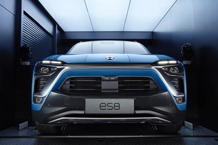 NIO quiere llevar a todo el mundo sus coches eléctricos, pero las tensiones con EEUU podrían frenar al 'Tesla chino'