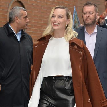 Margot Robbie nos deja cuatro grandes looks en su carrera hacia los Oscar