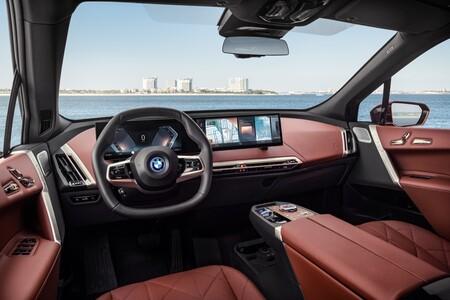 BMW iX habitáculo