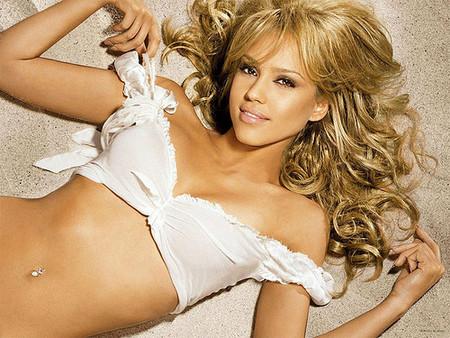 Jessica Alba obsesionada por dar de mamar
