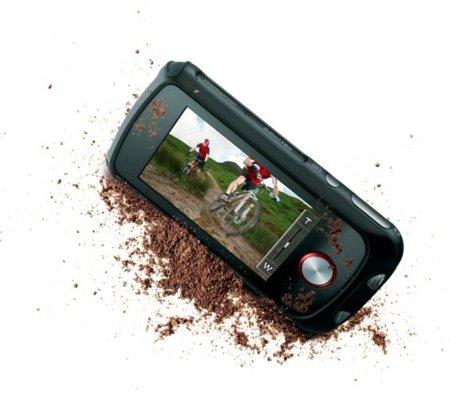 La videocámara Bloggie se pasa a la vida dura