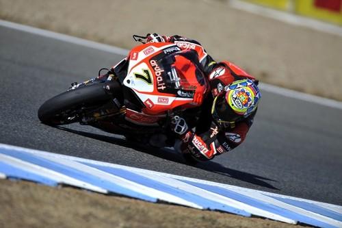 Chaz Davies vence en la segunda carrera de Jerez. Kawasaki consigue el título de constructores