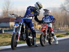 Cosas que un niño de 12 años y un adulto deberían saber de las motos