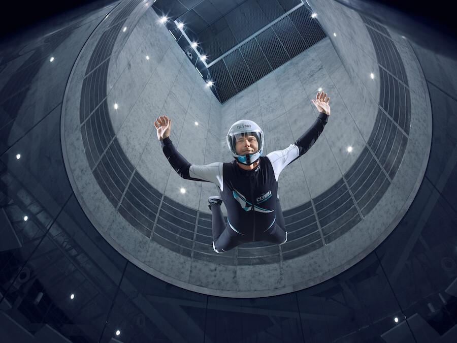 Para trepar o volar: de este metodo es CLYMB, el túnel de viento mas abultado del planeta es además el muro de escalada interior mas alto