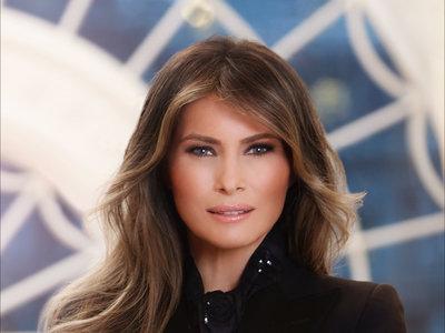 Melania Trump estrena foto oficial como Primera Dama de Estados Unidos (sin reparar en airbrushing)