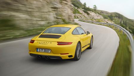 Llega el Porsche 911 Carrera T: menos peso para disfrutar más al volante