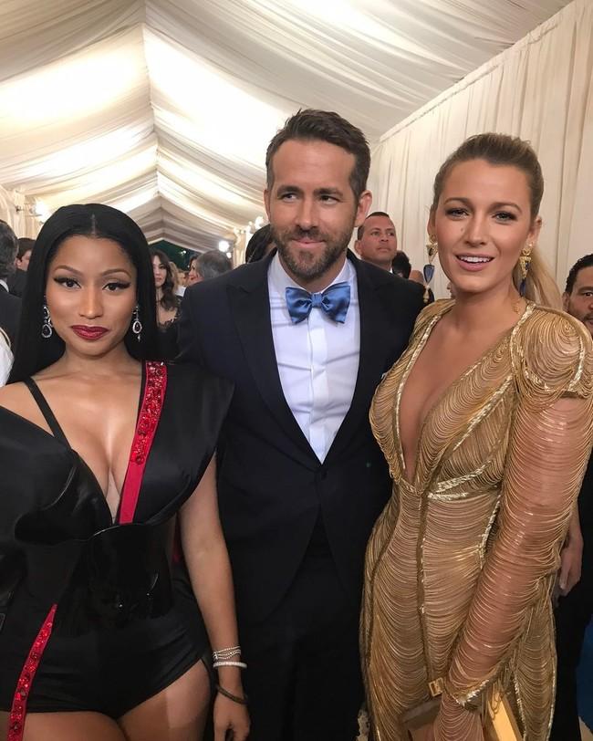 Blake Lively se encadena a la Gala MET 2017 con su diseño de Atelier Versace