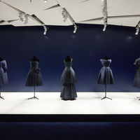 Las Galeries Lafayette de París se visten de Dior