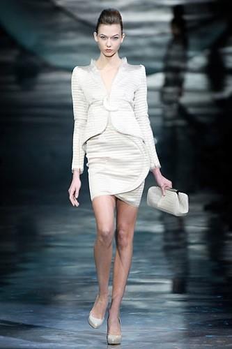Armani Privé Alta Costura Primavera-Verano 2010: vestidos de noche inspirados en la luna