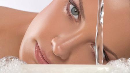 Agua para la piel