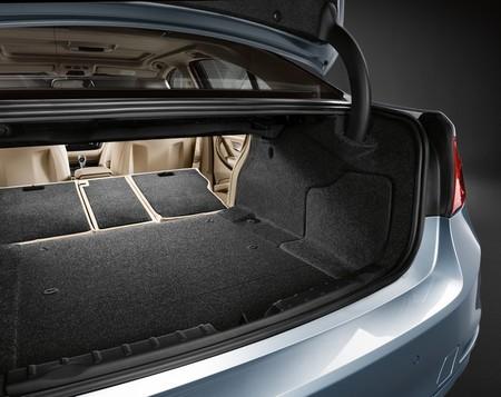 BMW ActiveHybrid 3 maletero