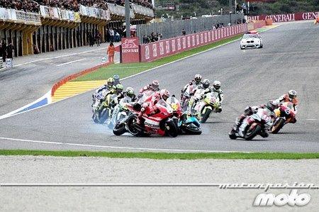 MotoGP Valencia 2011: La secuencia de la caída de Alvaro Bautista en fotos