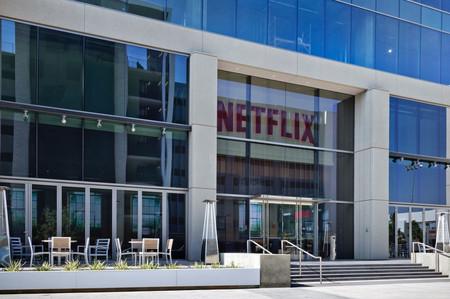 Netflix anuncia su segunda serie española original: 'Élite', una dosis de misterio para público adolescente