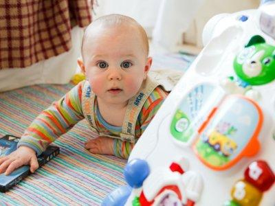 En una casa donde viven niños, no es igual limpiar que desinfectar