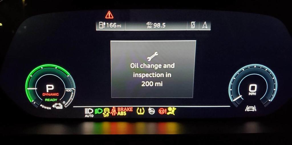 El Audi e-tron recomienda cambiar de aceite antes de los 20.000 km a pesar de ser un coche eléctrico