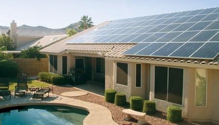 Tesla ya piensa en una red eléctrica con energía 100% renovable