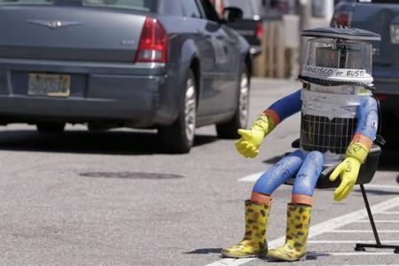 Skynet se va a acordar de todo esto: la trágica historia de hitchBOT, el robot autoestopista