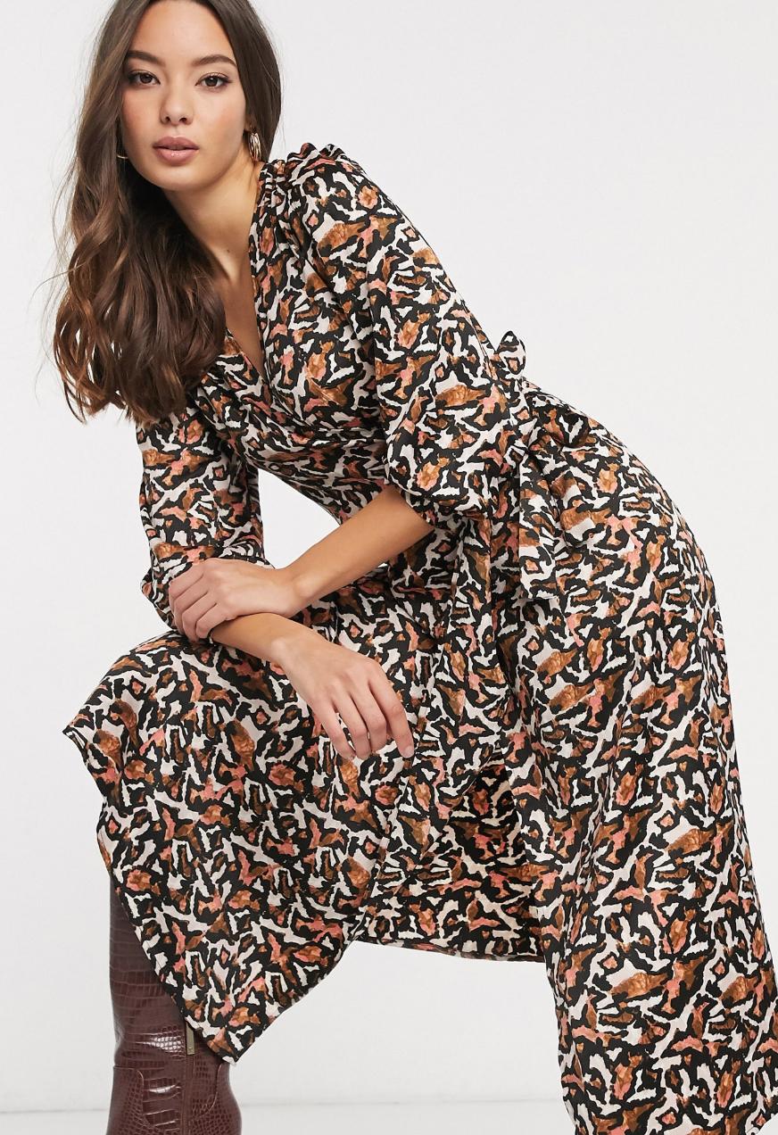 Vestido midi con estampado animal abstracto de Vero Moda