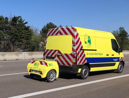 Prueban una Renault Master ZE eléctrica con extensor de autonomía en remolque, eliminando los tiempos de recarga de la batería