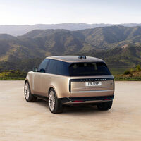 El nuevo Range Rover se actualiza con un espectacular diseño y un V8 BMW a la espera de los híbridos enchufables