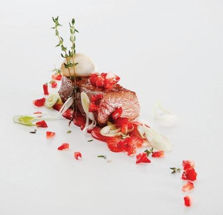 hg4_magret_de_pato_con_fresas_y_vinagreta_de_frutos_rojos_(2).jpg