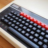 Si mandas un tuit con un programa en BASIC, este bot de Twitter te responde con un vídeo de su ejecución en el mítico BBC Micro
