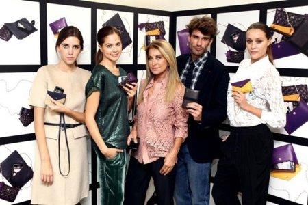 Elegantes accesorios para smartphones de Purificación García