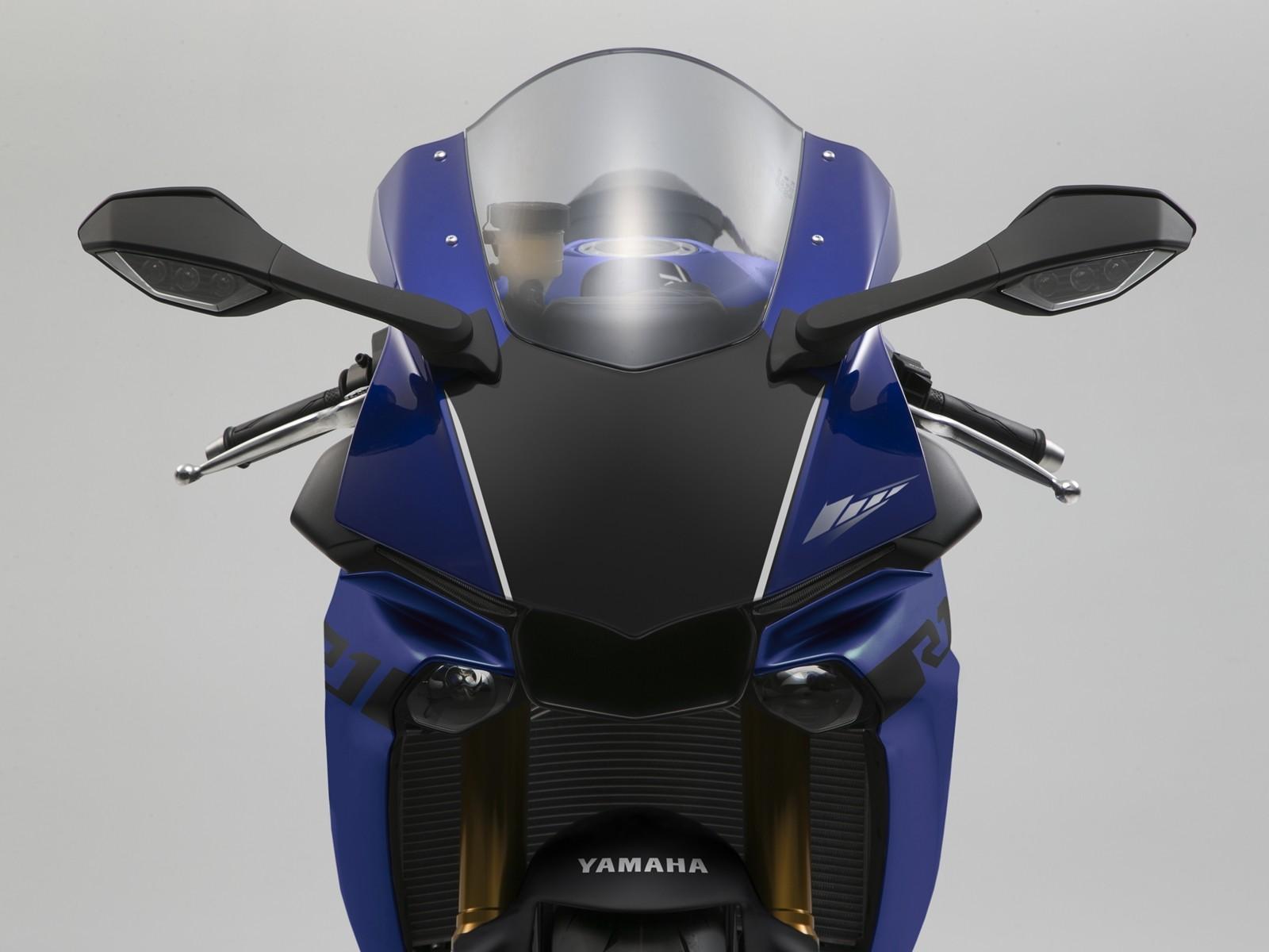Foto de Yamaha YZF-R1 & YZF-R1M 2018 (11/34)