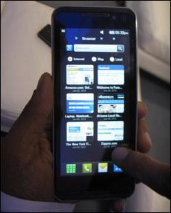 Foto de LG GW990, con Intel Moorestown (1/5)