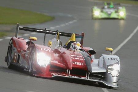 Audi R15+ TDI durante el Warm-Up previo a las 24 Horas de Le Mans 2010