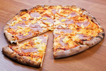 El videojuego del momento, Cyberpunk 2077, nos muestra un futuro en el que la pizza con piña está prohibida por ley