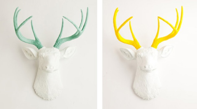 White faux taxidermy reinventa las cabezas de animales que - Cabezas de animales decoracion ...