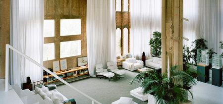 Vivir entre silos y paredes de hormigón: la casa de tus sueños es una gigantesca fábrica de cemento