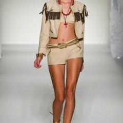 Foto 36 de 43 de la galería moschino-primavera-verano-2012 en Trendencias